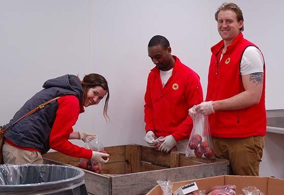 Capuchin-services-center-volunteers-min